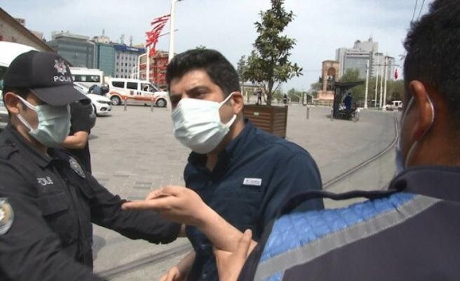 """İkamet kartı bulunan İranlı'ya polisten tepki! """"Benim vatandaşım evde oturuyorsa, sen de evinde oturacaksın"""""""