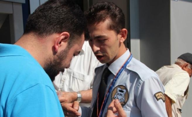 40 bin lirayı güvenlik görevlisi kurtardı