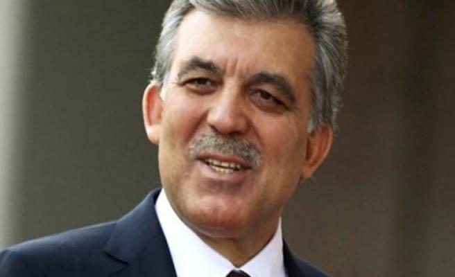 Abdullah Gül'den Binali Yıldırım'a tebrik