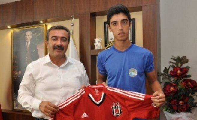 Adanalı İbrahim Beşiktaş'a Gidiyor
