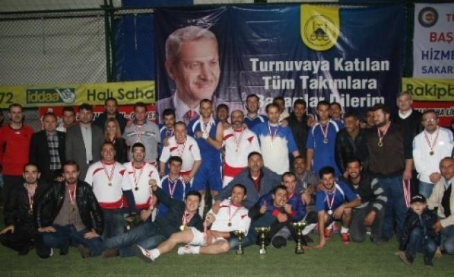Adapazarı Belediyesi Futbol Turnuvası'nın Şampiyonu Temizlik Genç Takımı Oldu