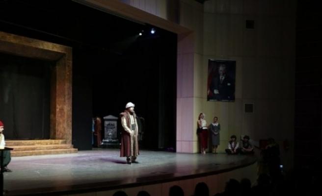 Afa'da Sahnelenen 'kanlı Nigar' İsimli Oyun Büyük Beğeni Kazandı