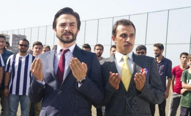 Ahmet Kural vefalı çıktı!