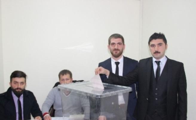 Ak Parti Ayvacık İlçe Gençlik Kolları Başkanlığı'na Servet Ünlü Seçildi