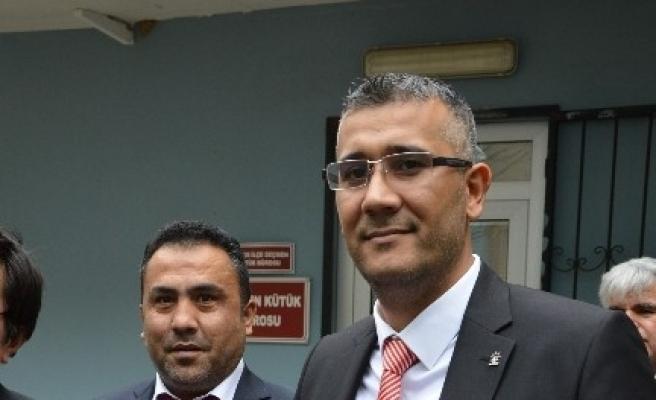 Ak Parti Efeler'in Yeni Başkanı Arslan Mazbatasını Aldı
