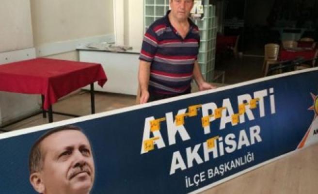 AK Parti İlçe binasına saldırı!