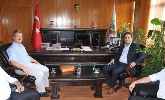 Ak Parti'den Müdür Ergüven'e 'hayırlı Olsun' Ziyareti