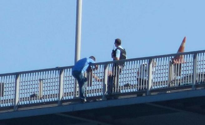 Albay köprüden atlamak istedi