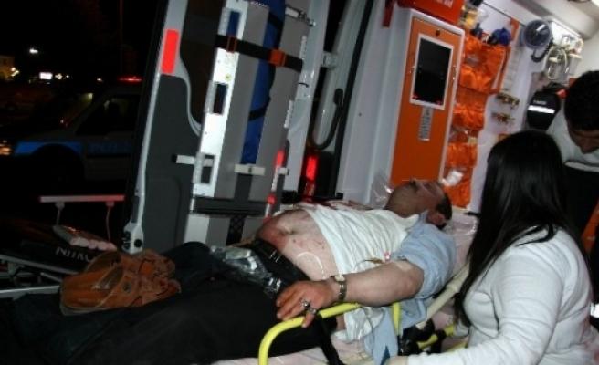 Alkollü Şahis Kendini Bıçakladı