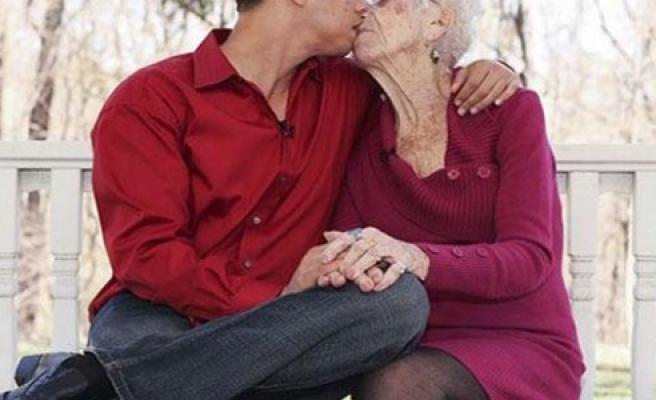 Aşkın yaşı yokmuş