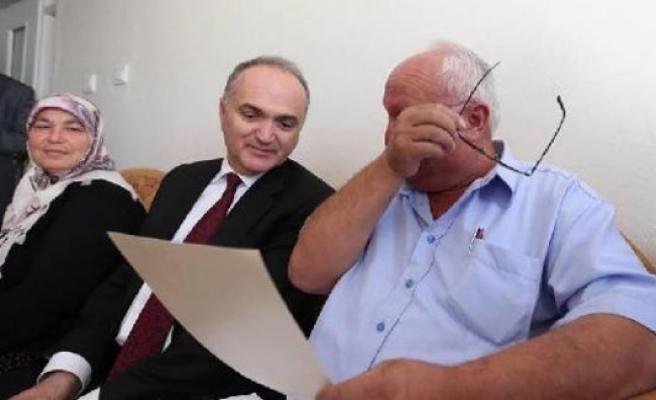 Başbakan Yıldırım'ın mektubu şehit babasını ağlattı