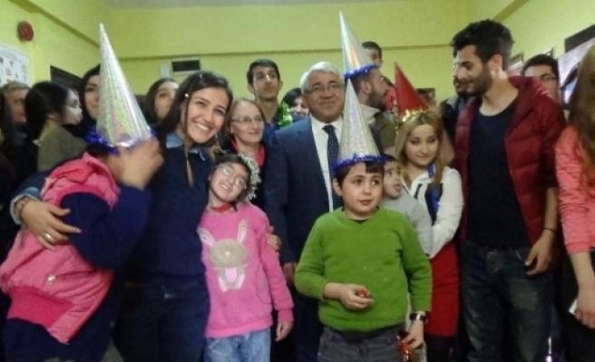 Başkan Karaçanta, Yeni Yılını Engellilerle Geçirdi