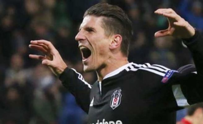 Beşiktaş ikna etti, Gomez'in tapusunu alıyor!