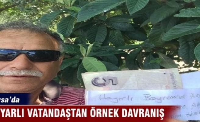 Bursa'da hamile eşi için aldığı meyvelerin parasını ağaca astı