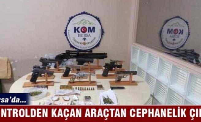 Bursa'da kaçan otomobilden silahlar ve uyuşturucu çıktı