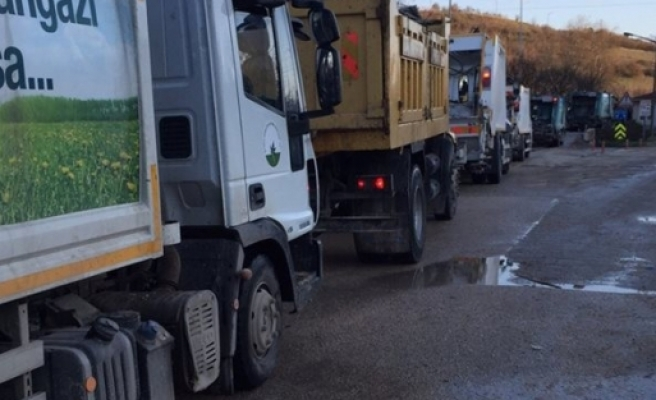 Bursa'da kar çöplüğü de vurdu