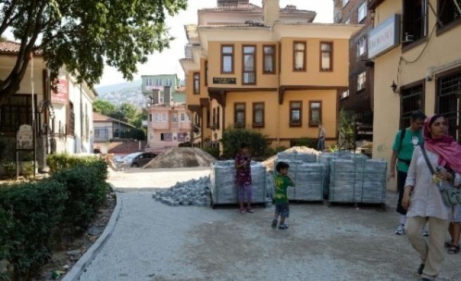 Bursa'nın Tarihi Cadde Ve Sokaklarına Makyaj