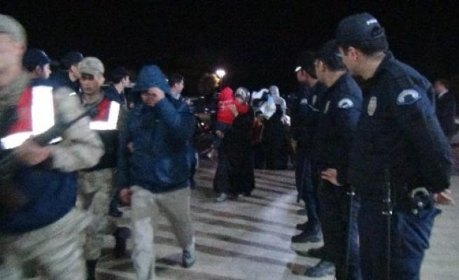 """""""Çay almaya gidiyoruz"""" dediler IŞİD'e katıldılar"""