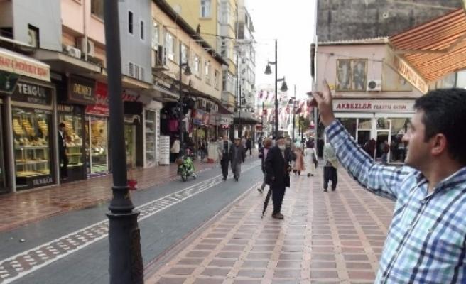 Cumhuriyet Çarşisi Da Şemsiye Sokak İstiyor