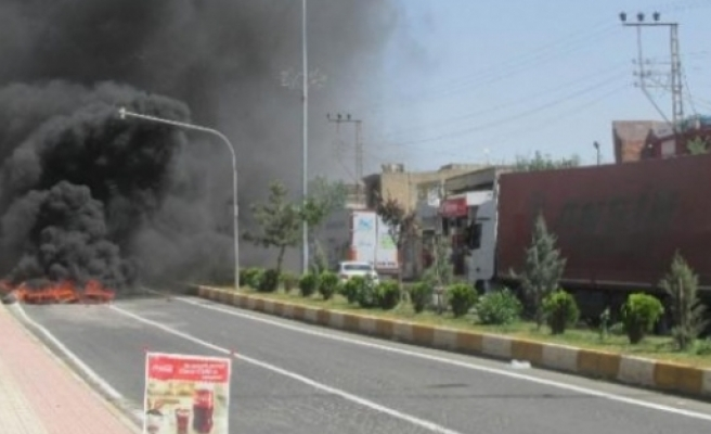 DEDAŞ binasını ateşe verdiler