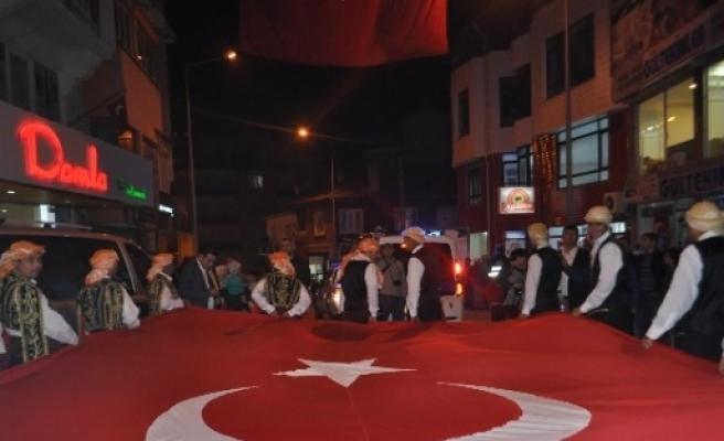 Demirci'de Coşkulu Cumhuriyet Yürüyüşü
