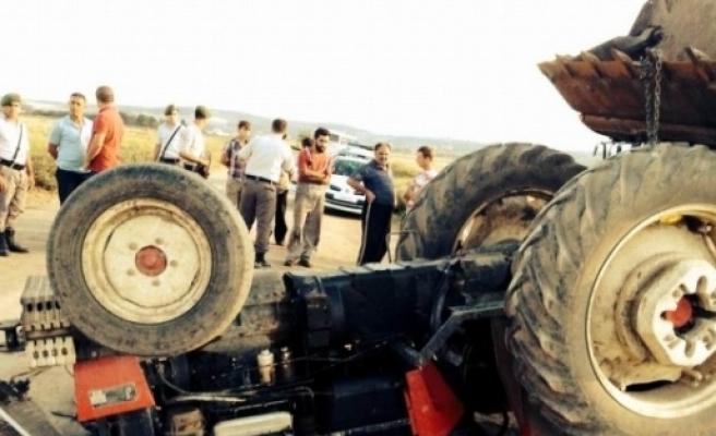 Devrilen Traktörün Altında Kalan Öğrenci Öldü