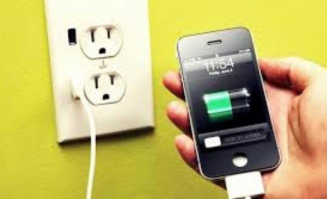 Dikkat akıllı telefonlar kilo aldırıyor!