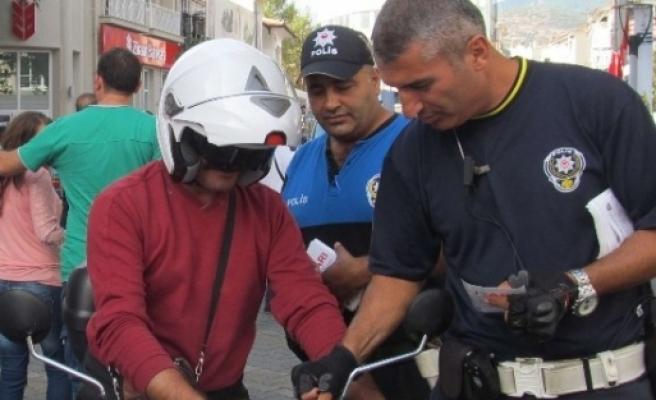 Edremit'te Polis'ten Broşürlü Uyarı