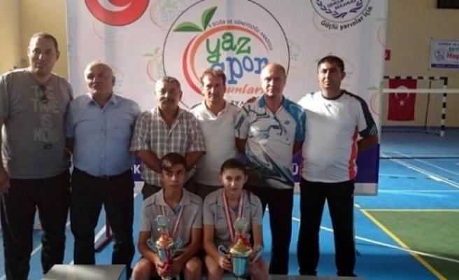 Erzincanlı Badmintoncular Gap Oyunlarında Şampiyon Oldu