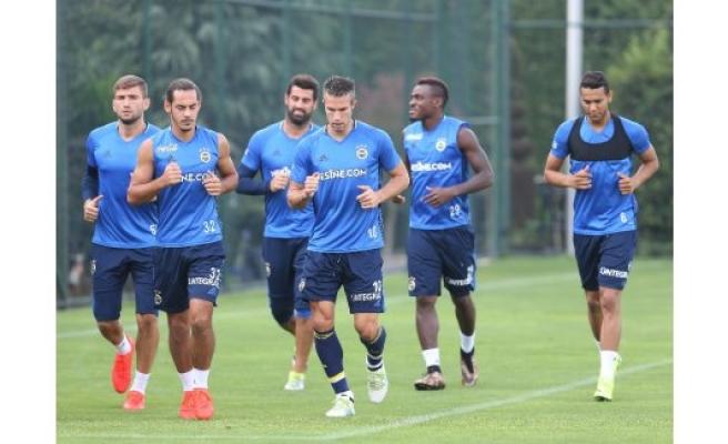 Fenerbahçe 11 eksikle çalıştı
