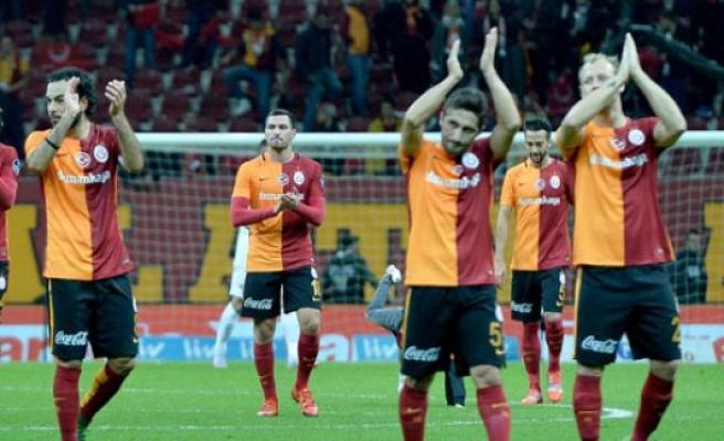 Galatasaray, Benfica maçı için yarın Lizbon'a gidiyor