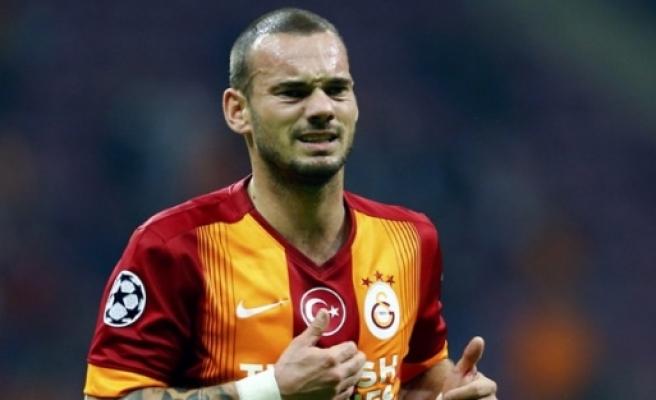 Galatasaray'da şok! Sneijder gidiyor mu?