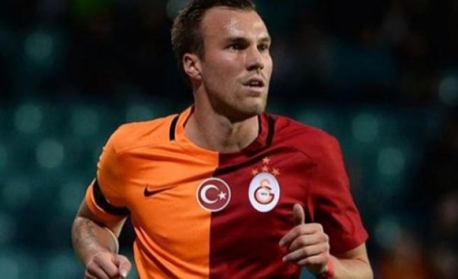 Galatasaraylı yıldız karakolluk oldu!