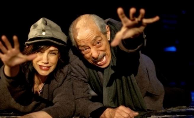 Gaziemir'de Sanat Da Sahne De Özgür
