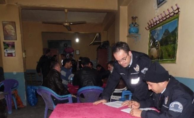Gölbaşı İlçesinde Polis Kahvehaneleri Denetledi
