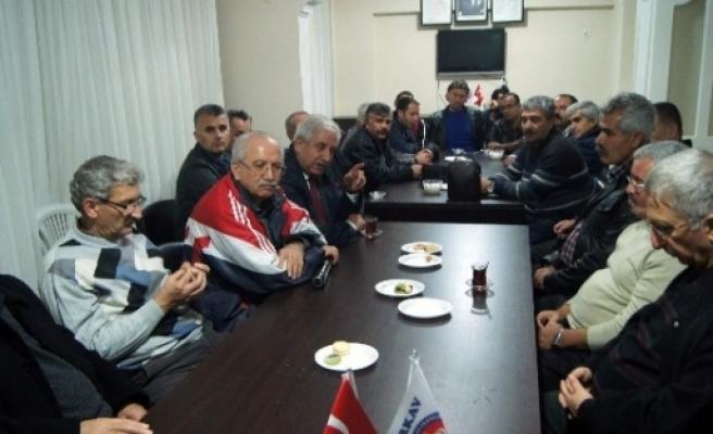 Görevden Alınan Okul Müdürleri Türkav'da Buluştu