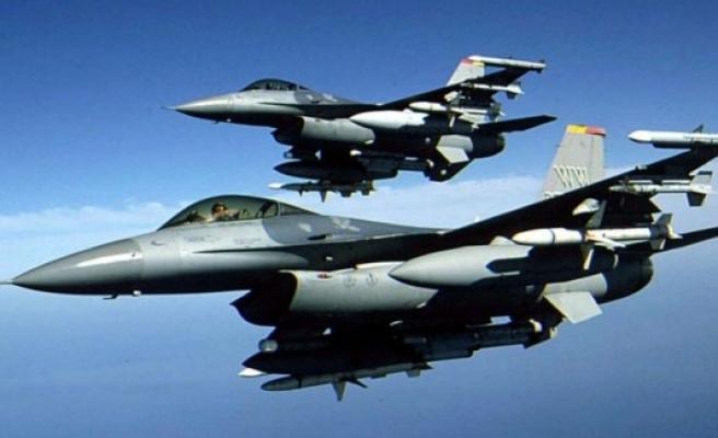 Hakkari'de hava operasyonu: 9 terörist öldürüldü