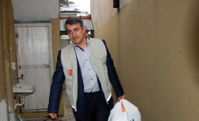 İhh'dan, Kobanili 13 Aileye Gıda Yardımı