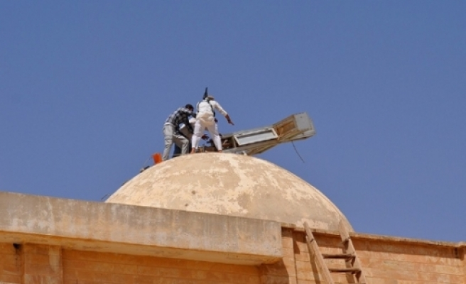 IŞİD bu kez bir kiliseyi hedef aldı
