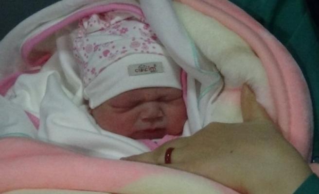 Isparta'da Yeni Yılın Lik Bebeği Esila