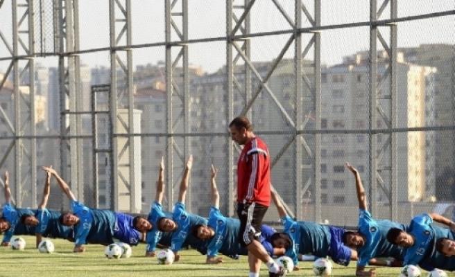 İstanbul Başakşehir Futbol Kulübü Yeni Tesislerinde İlk Antrenmanını Gerçekleştirdi