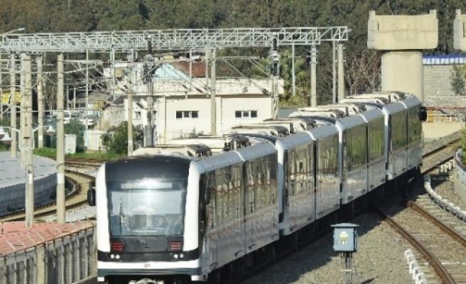 İzmir Metrosu Her Geçen Gün Büyüyor