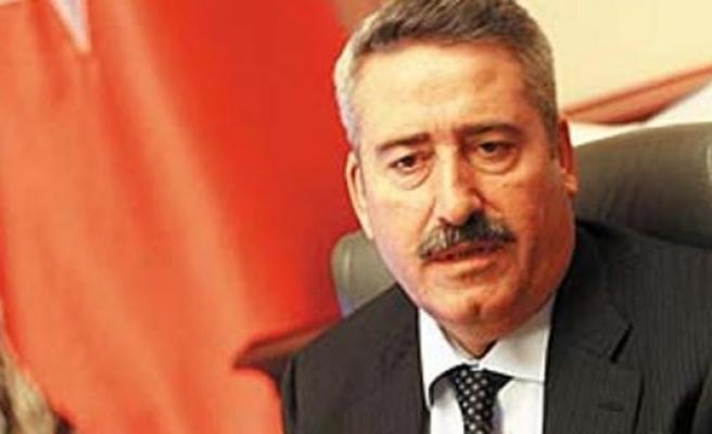 İzmir ve Diyarbakır Valiliği yapan Cahit Kıraç hakkında gözaltı kararı