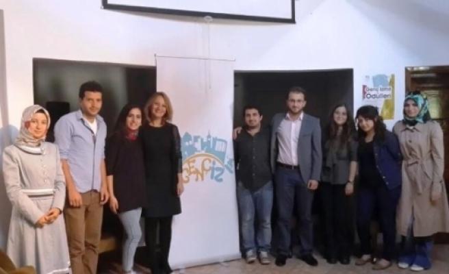 İzmit Belediyesi Gençlere Yol Gösteriyor