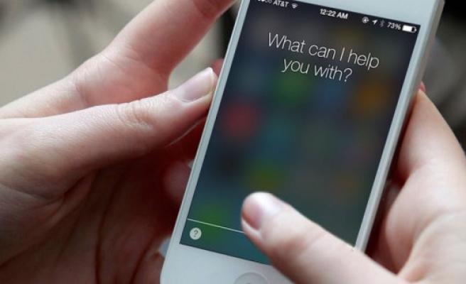 Kamyonun altında kalan gencin hayatını Siri kurtardı