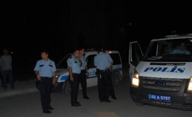 Komşuların Gürültü Kavgası: 2 Yaralı, 4 Gözaltı