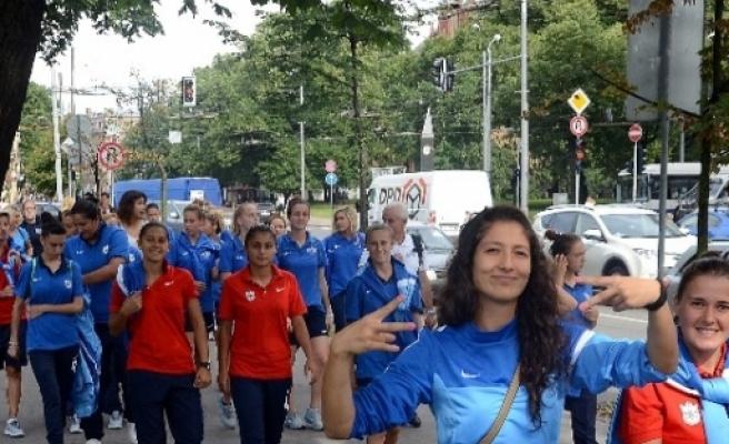 Konaklı Kızlar Letonya'yı Fethetti
