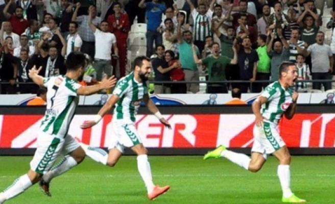 Konyaspor sahadan galip ayrıldı