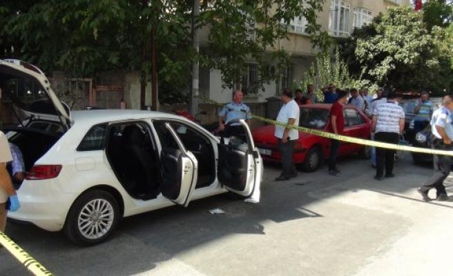 Lüks otomobilde borçları yüzünden intihar etti