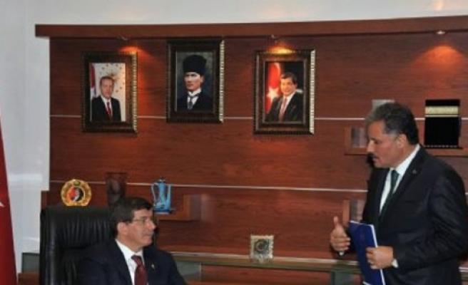 Malatya Büyükşehir, Başbakan Davutoğlu'na Talep Dosyası Sundu